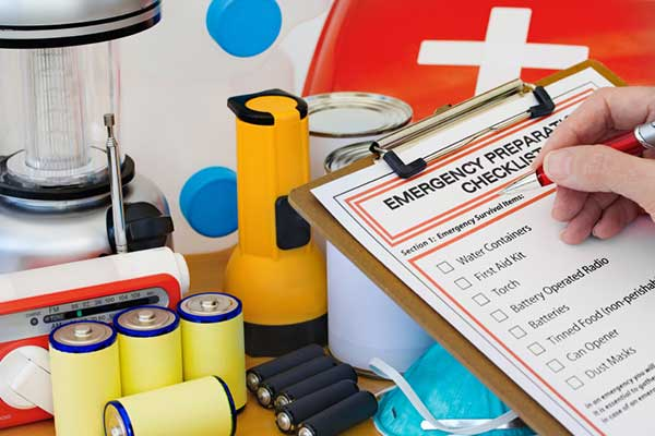 Pledge: Creating an emergency preparedness kit for your family