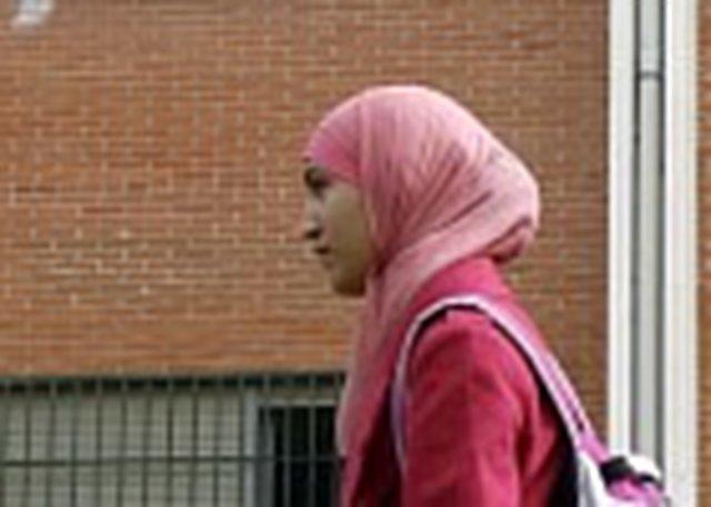 EN DEFENSA DE NAJWA MALHA: SEÑORES JUECES, DEJEN DE ATENTAR CONTRA LA LIBERTAD RELIGIOSA