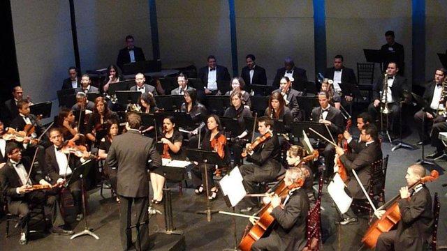 Salva la Música en Bayamón: Salvemos la Sinfónica.