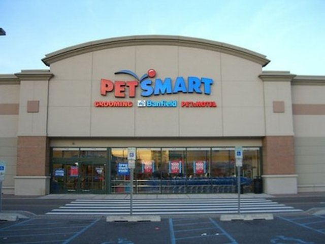 Investigate Secaucus PET SMART - PETS HOTEL over mysterious deaths of dog(s).