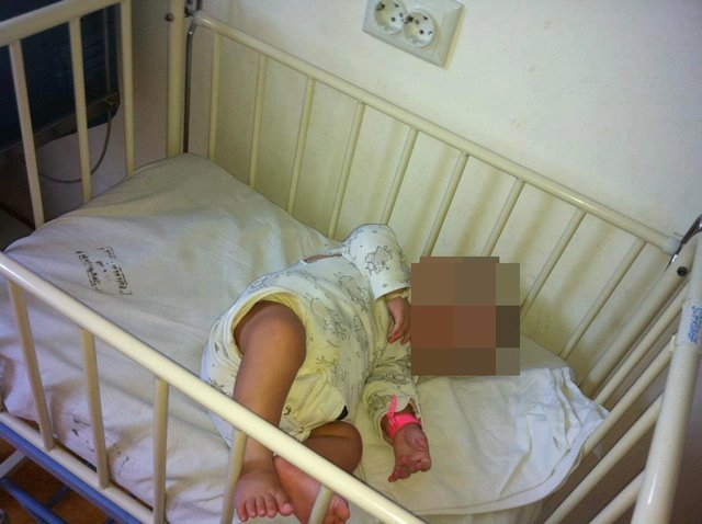57 de copii abandonaţi la secţia pediatrică Sf.Maria strigă după o mână de ajutor