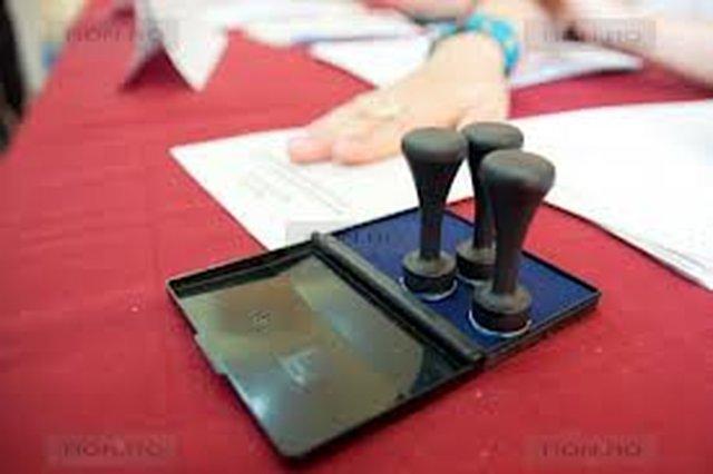 ROMANI,PE 9 DECEMBRIE 2012,IESITI LA VOT!VOTATI-VA SOARTA!