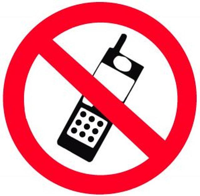 NEJ till SMS , SURF och MOBILanvändning utan Handsfree vid BILKÖRNING