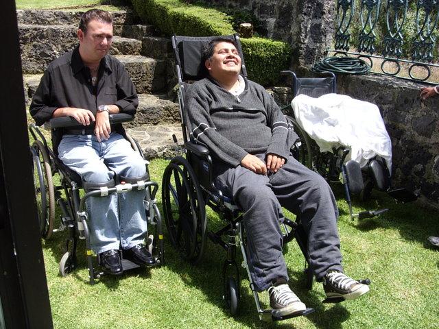 Fundación Guillermo Covarrubias para la Cura de la Parálisis, A.C.