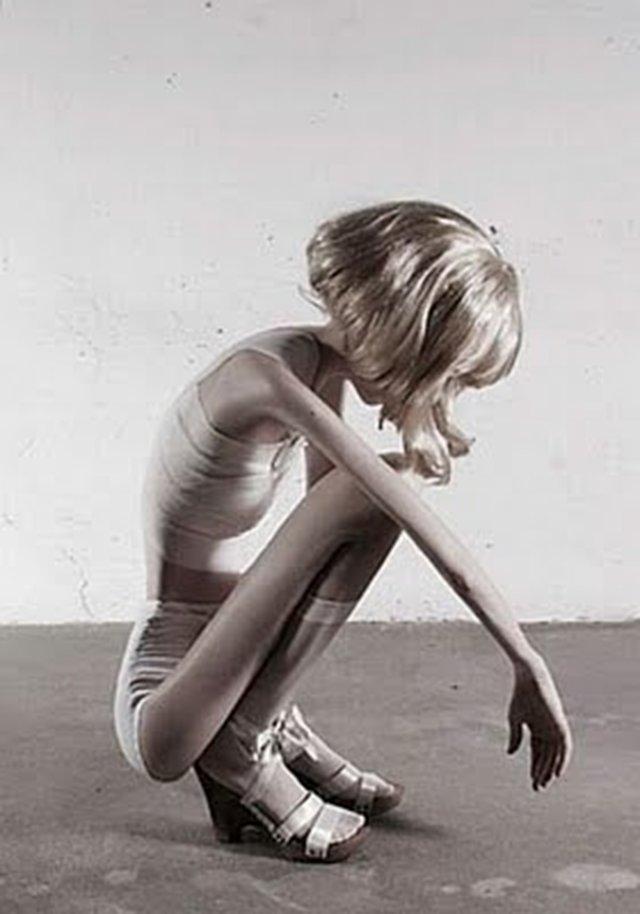 Stop ANOREXIA NERVOSA IN TEENS AND ADULTS
