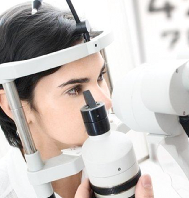 Treat Your Eyes to a Comprehensive Exam This Year